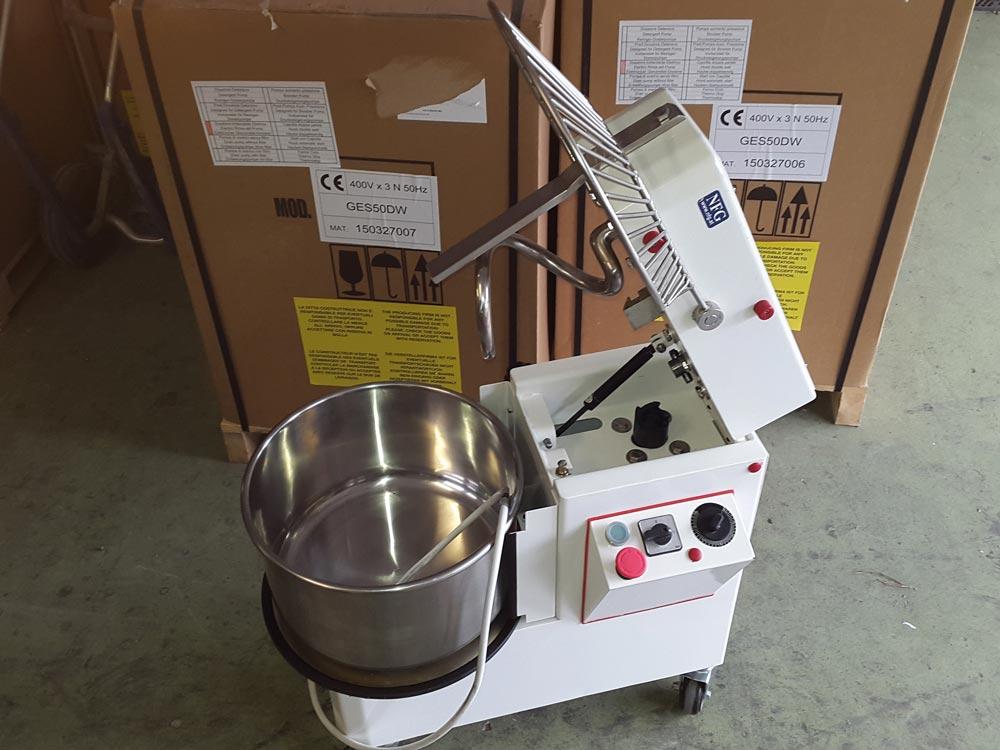 Aktion Gebraucht Shop KM 22 K leicht gebraucht Teigknetmaschine Knetmaschine NFG Spiralkneter